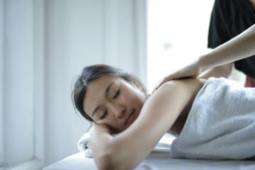 Masajul corporal – tipuri de masaj şi beneficiile acestora