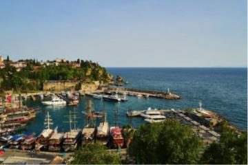 De ce merită să mergi la Antalya? Ce este atât de special la această locație de vacanță?